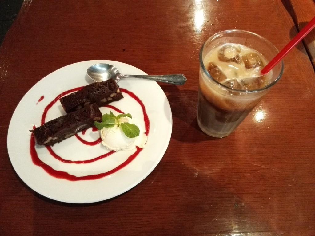 カサデガポ デザート ガトーショコラ バニラアイス添え
