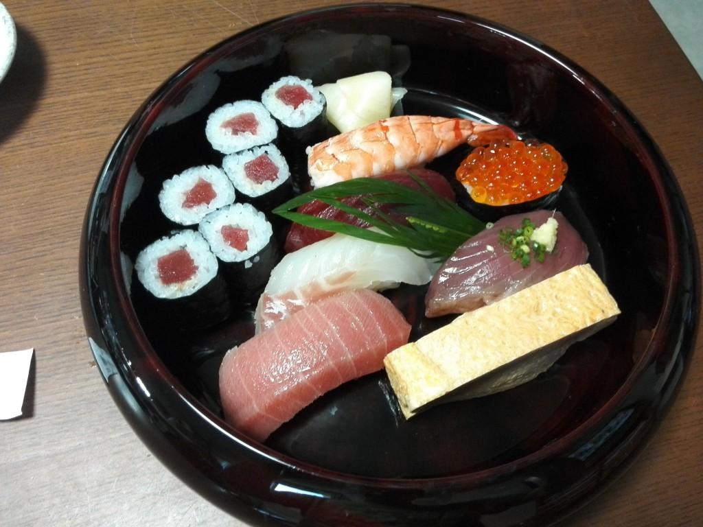 息子の誕生日のお寿司