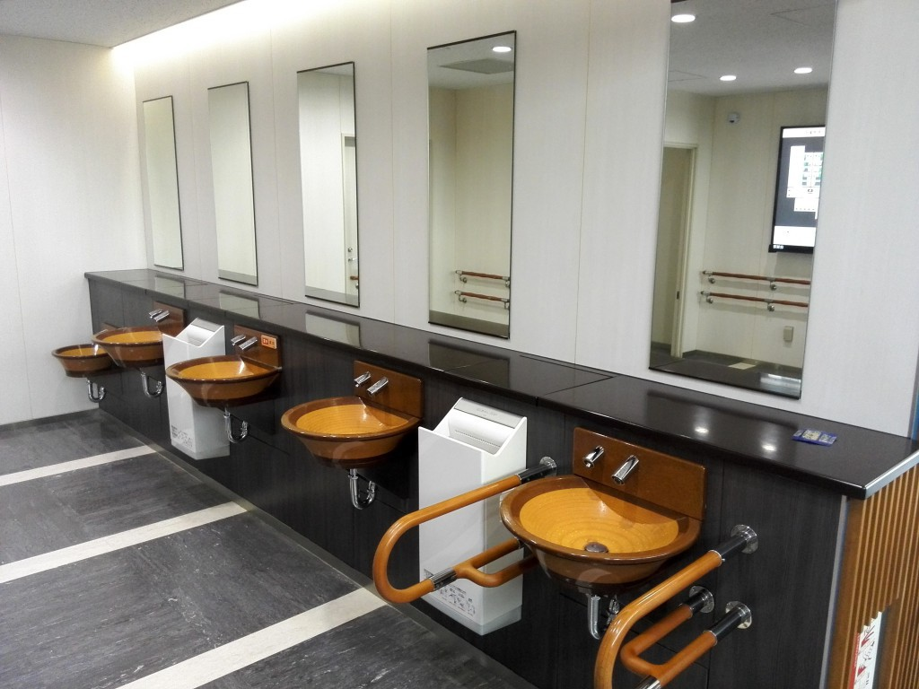 新東名高速道路下り 浜松サービスエリア トイレ