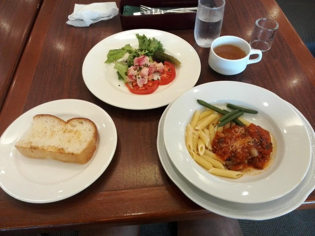 ロイヤルホスト 日替わりサンシャインランチ ロシアンポテトサラダ+若鶏のグリル トマトソース