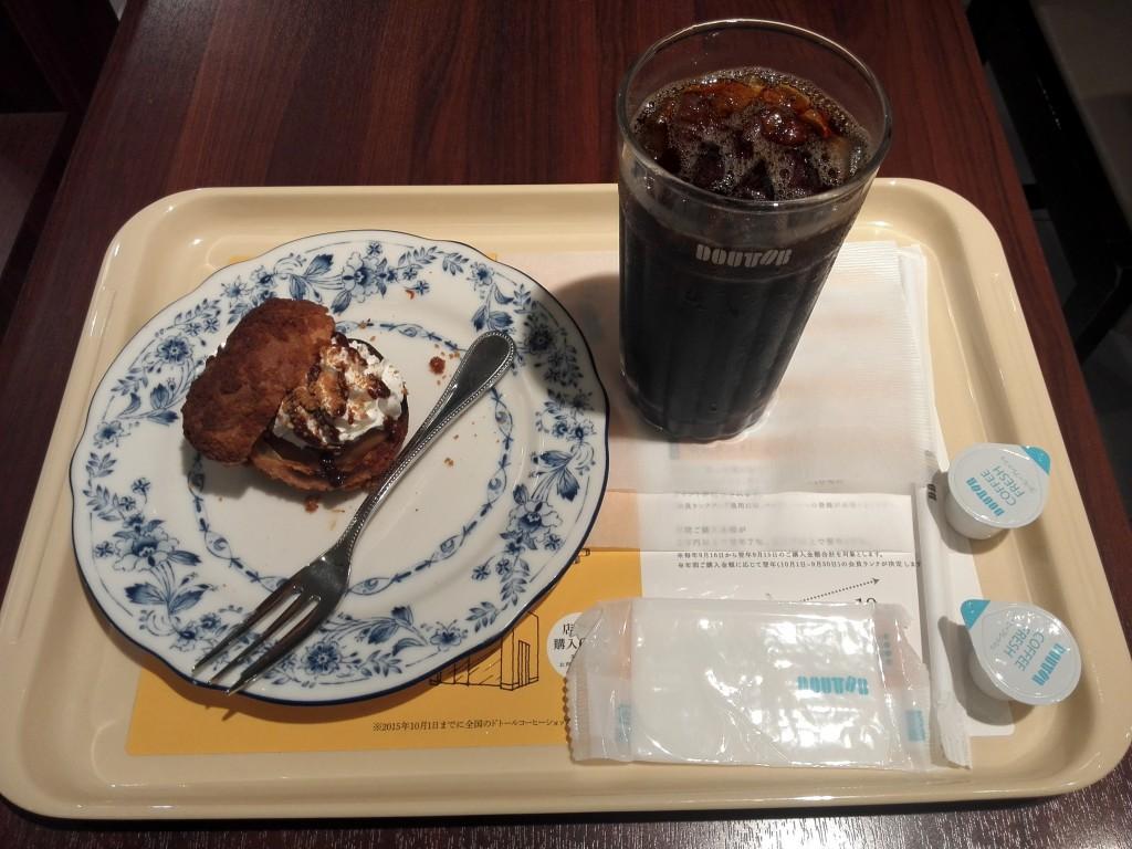ドトール プレミアム シューシャポーとアイスコーヒー