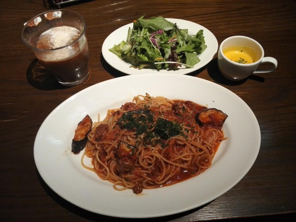 ダイナック 渋谷ACCESO(アチェーゾ) ごろっと茄子の濃厚ミートソーススパゲッティ