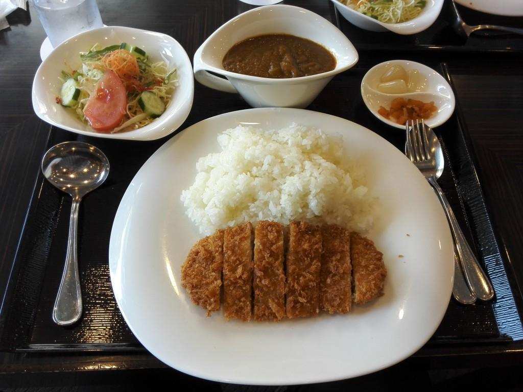東京国立博物館 ホテルオークラレストラン ゆりの木 カツカレー