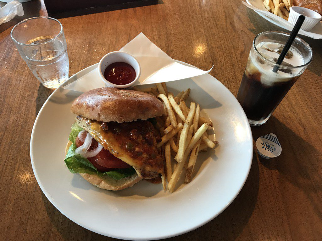 池袋 ウルフギャング・パックカフェ テキサスチキンバーガー