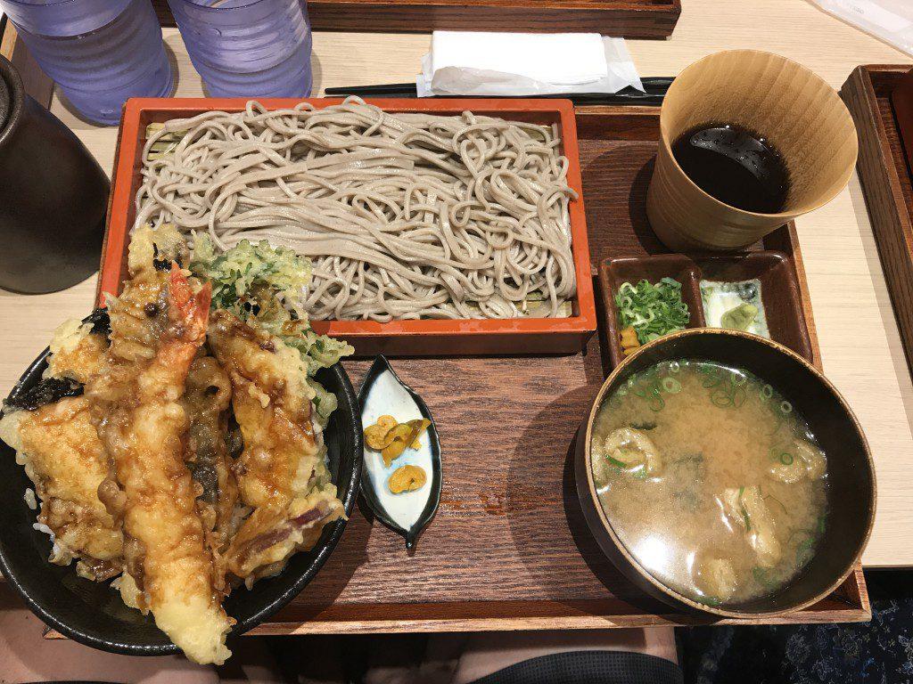 ダイナック 魚盛 6種の選べるミニ丼とせいろ蕎麦御膳(天丼)