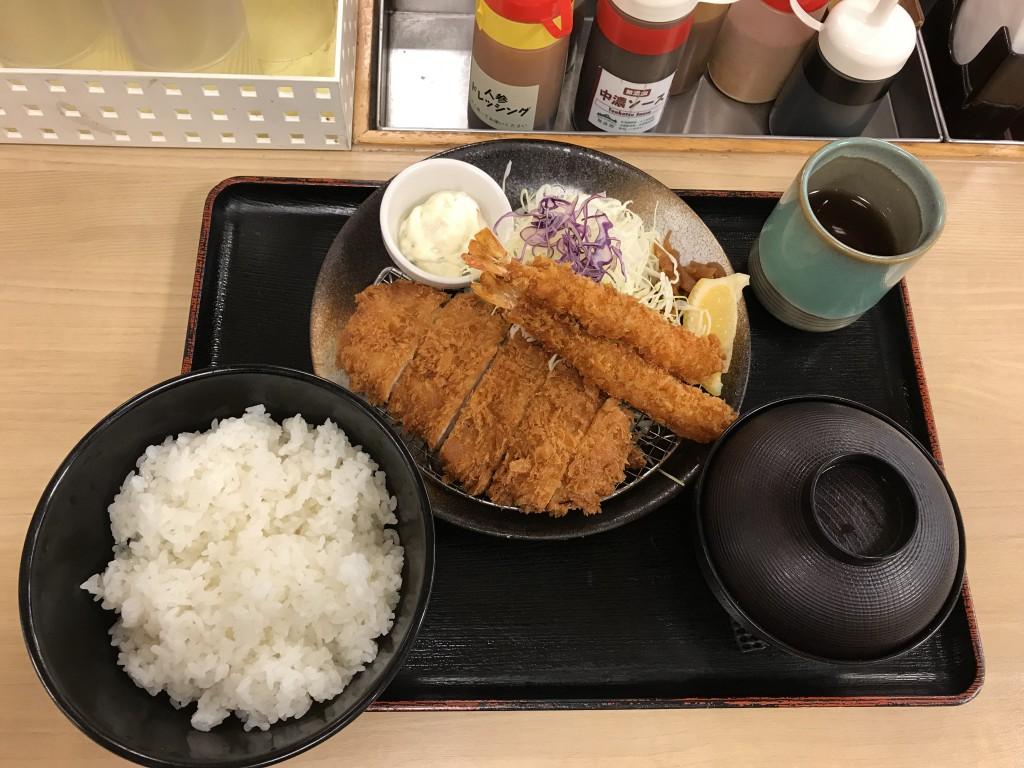 松乃家 ロースかつ&海老フライ2尾定食