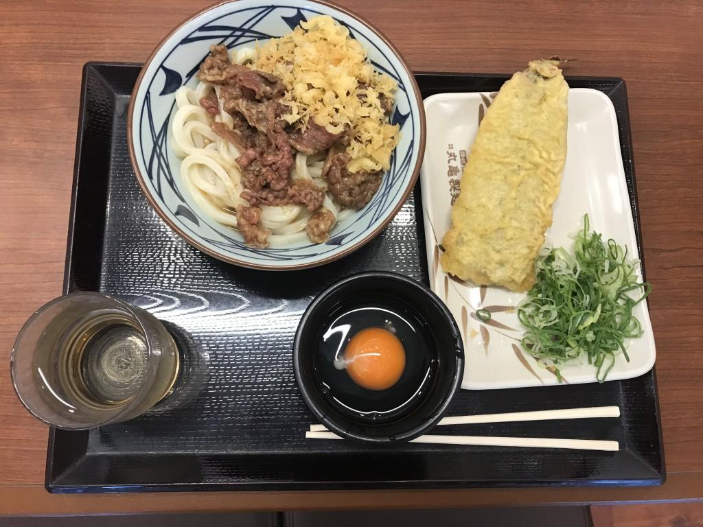 トリドール 丸亀製麺 牛すき釜玉とサンマ天