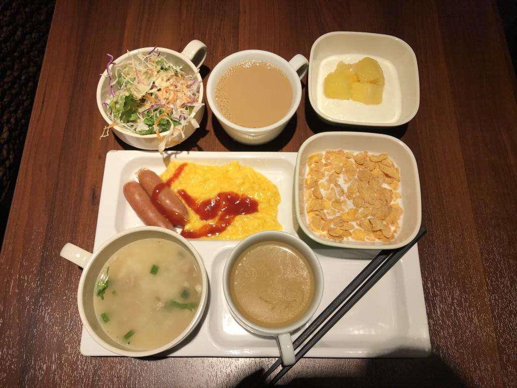 グリーンズ コンフォートイン東京六本木 バンコクナイト 朝食